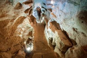 san faustino catacomba massa martana